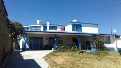 Casa De 5 Recamaras, 2 Baños, Estudio, 3 Patios