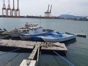 Barco Embarcación Tiburonera