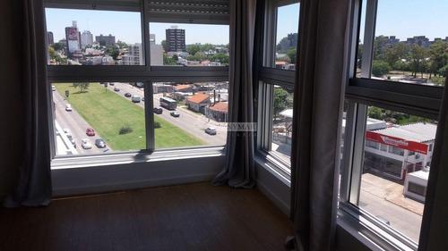 Apartamento Malvin Venta 3 Dormitorios, Av. Italia Y Concepcion Uruguay Con Garaje