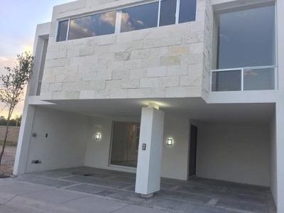 Exclusiva Casa En Condominio Residencial Privado. Al Norte De La Ciudad