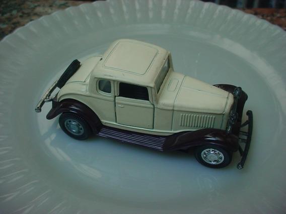 Miniatura Yatming 1/43 Ford 32 Coupé Anos 80 Lindo