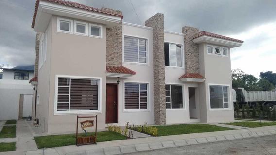 Hermosas Casas Por Estrenar En La Ciudad De Atuntaqui