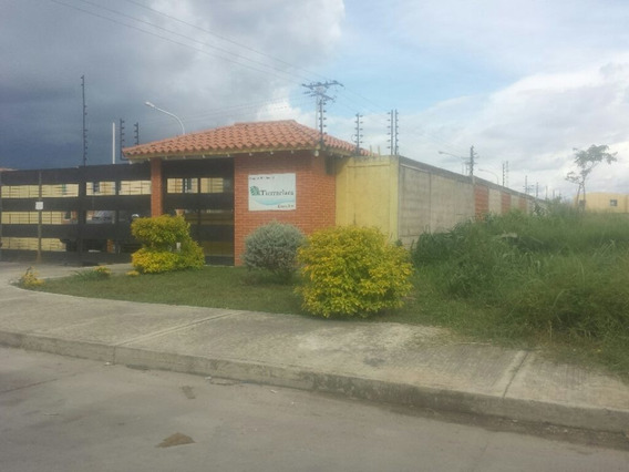 Town House En Parque Valencia, Res. Tierra Clara. Guth-24