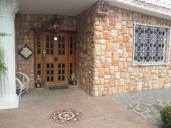 Casa En Fundacion Mendoza / Ovidio Gonzalez / 04163418694