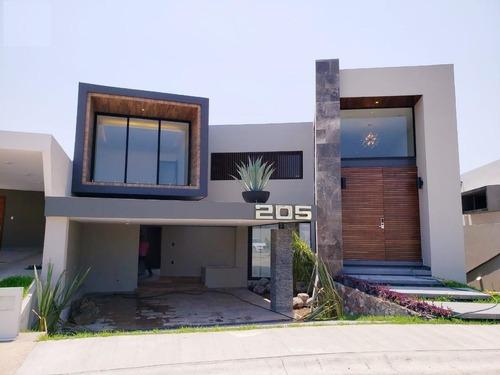 Punta Tiburon, Casa En Venta Con Recámara En Planta Baja Y Alberca