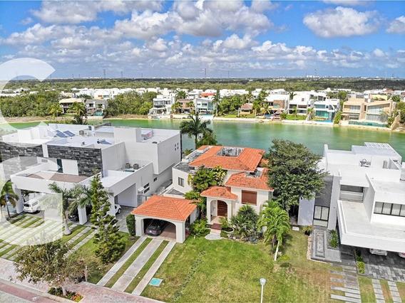 Casa En Venta En Cancun En Residencial Lagos Del Sol
