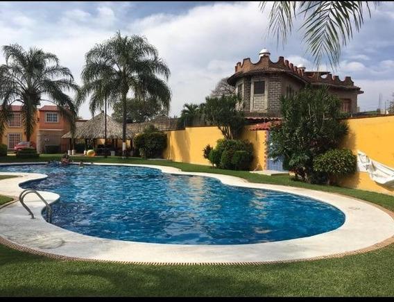 Vendo Casa Muy Bien Ubicada Y Excelente Condominio