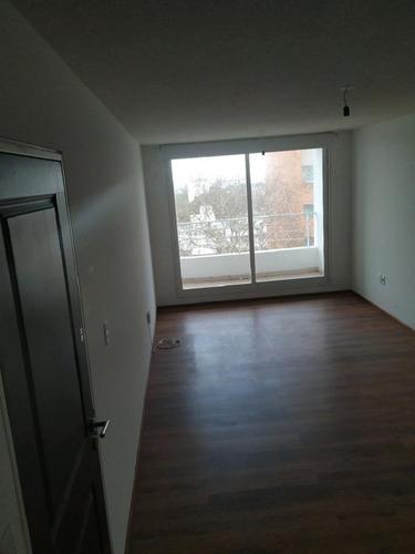 Amplio Apartamento , Rivera Y A.diaz.   Nuevo Con Gge Opcion