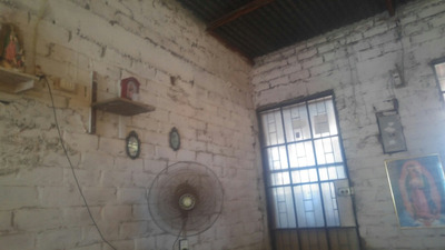 Casa De 3dormitorios, En Zorritos Zona Céntrica