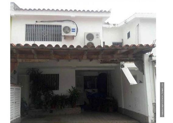 Townhouse En Villa Marina Puerto Cabello