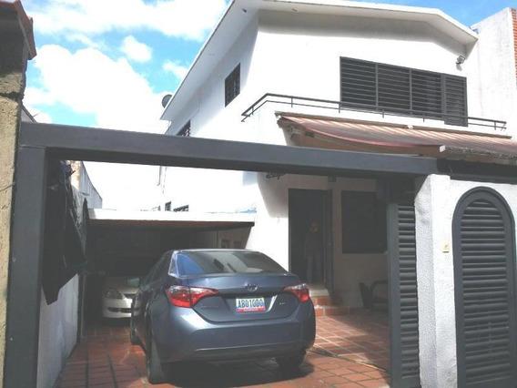 Casa Clnas. De Los Chaguaramos Rah7 Mls19-4645