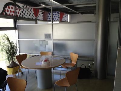Práctica Oficina Equipada En Zona De Desarrollo