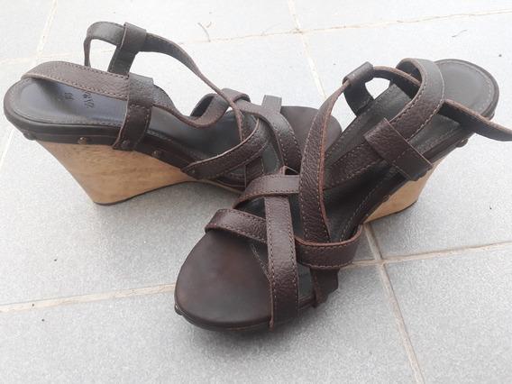 Zapatos De Cuero Y Taco De Madera Zara