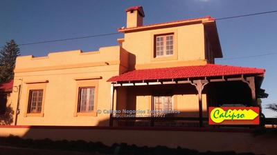 Casa - 4 Dormitorios - Frente Playa Brava- Piscina