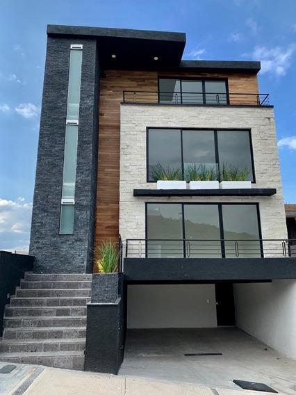 Casa Nueva 4 Recamaras, 4 Niveles, Roof Garden, 4.5 Baños