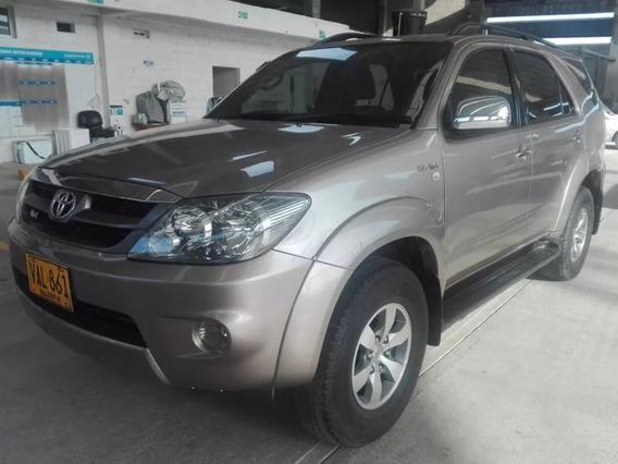 Toyota Fortuner 4.0 Full Equipo