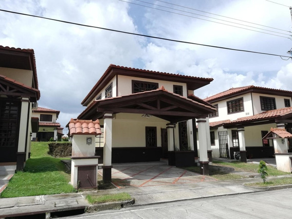 Casa En Venta En Las Cumbres 19-8573hel