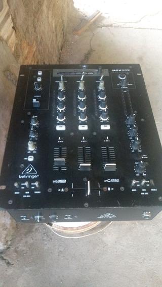 Mixer Behringer Linha Nox 303
