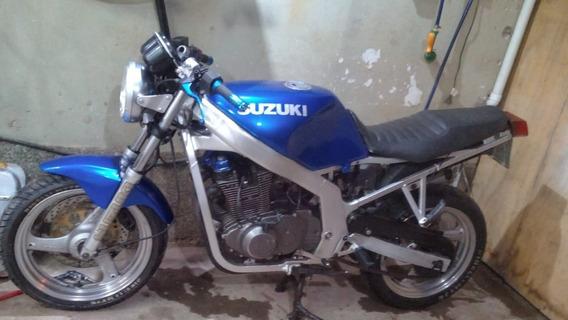 Suzuki Gs500e (titular)