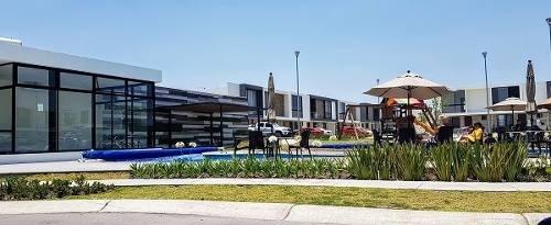 Jm/ Excelente Casa En Renta En El Refugio