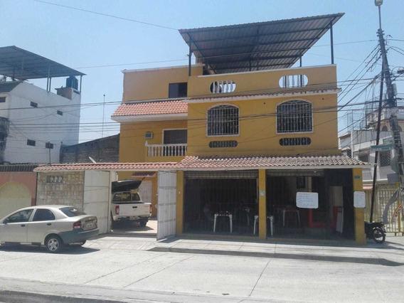 Vendo Casa Esquinera En Cdla. Guayacanes.