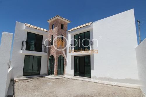 Casa En Venta En El Fracc. El Mirador De La Calera