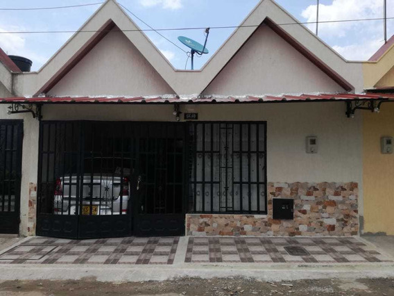 Casa Con Tres Habitaciones, Dos Baños, Garaje