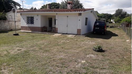 Casa De 2 Dormitorios, 1 Baño