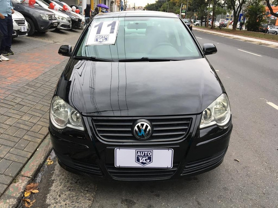 Volkswagen Polo 1.6 Flex - 2011