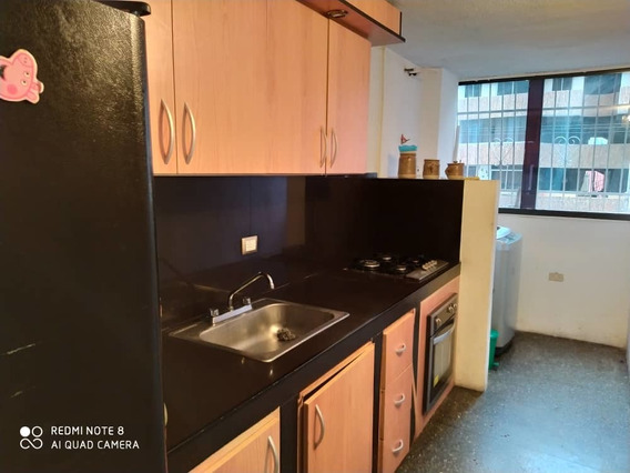 Se Vende Bello Apartamento Res Araguaney 04243603726