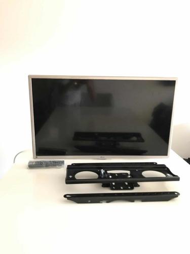 Televisor LG Smart 32 Excelente Estado Con Soporte De Pared