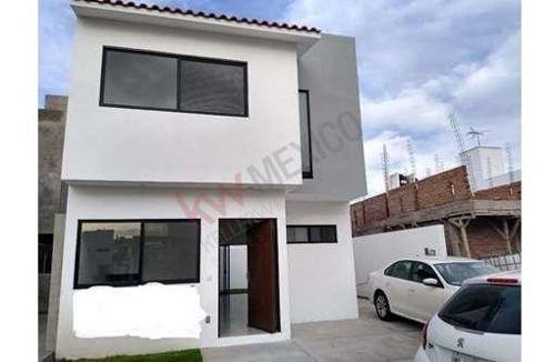 Vendo Casa En Real Del Bosque, Queretaro En $ 2,580,000 Pesos