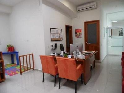 (crm-1404-848) Oficina Dentro De Plaza Comercial Sobre Avenida Principal!!
