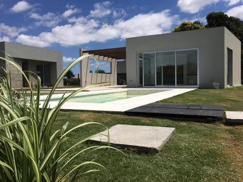 Imagen 1 de 30 de Casa En Venta De Una Planta 3 Dormitorios   Quincho Y Pileta Cañuelas Country Golf