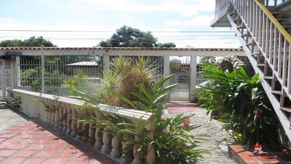 Casa De 730mts2 En Turmero Gbf20-6588