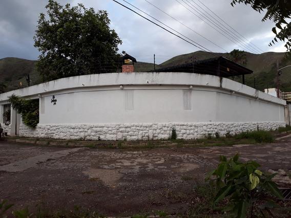 Casa De Esquina En Urbanización La Floresta En Guacara