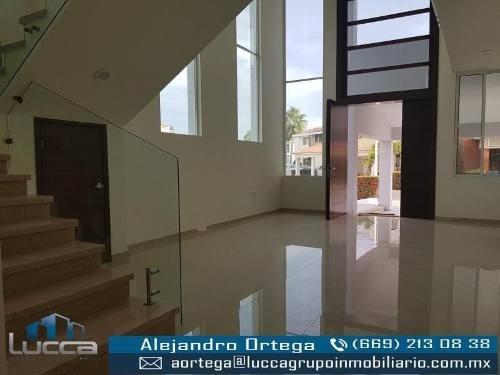 Casa En Venta En Fracc Club Real
