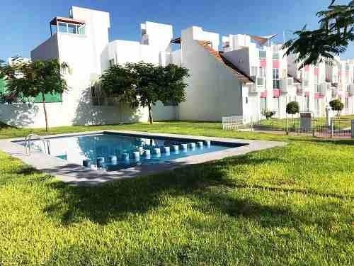 Casa En Villas Teques Aqua Con Alberca Y Parque Infantil