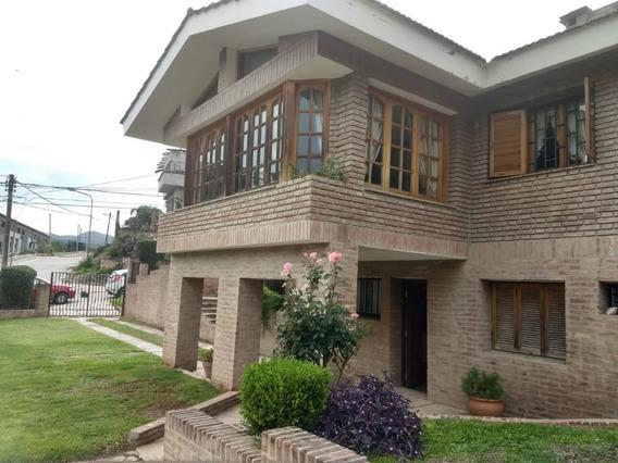Gran Casona Con Departamento En Carlos Paz,6 Habitaciones