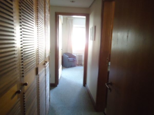 Apartamento De 4 Dormitórios  - 4042