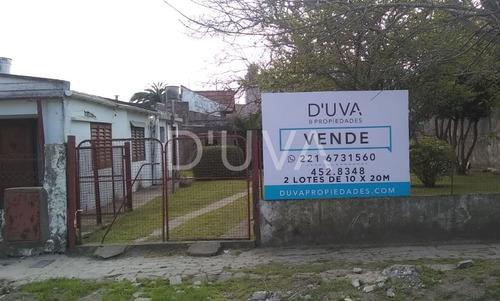 Casa A Reciclar De Dos Dormitorios. Calle 491 E/ 11 Y 12