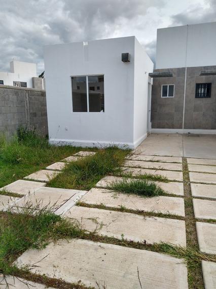 Casa Nueva, Terreno Excedente, En Esquina