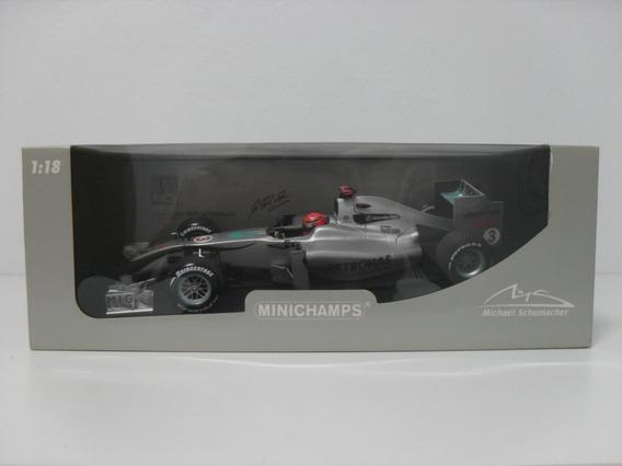 Mercedes Benz W01 - Michael Schumacher - 2010 - Minichamps
