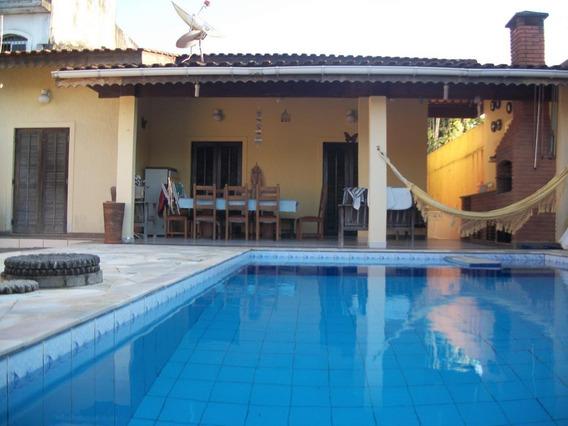 Casa Aluguel Temporada Com Piscina ,á 80m Da Praia.