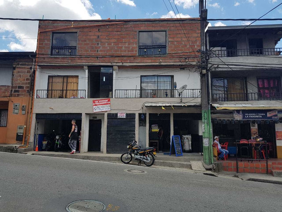 Edificio De Tres Pisos San Antonio De Prado