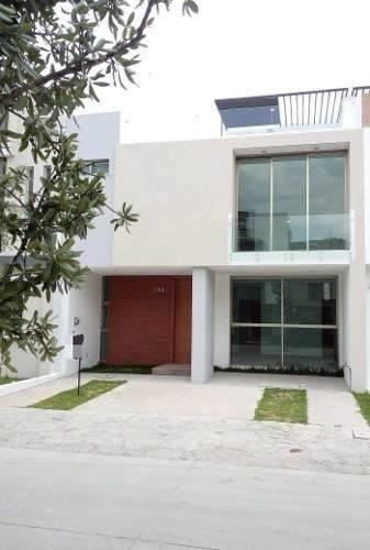 Hermosa Residencia En Solares Guadalajara Con Roof Garden
