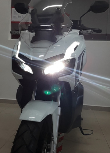 Scooter Honda Adv 150 - Entre No Modo Aventura Reserve Sua!