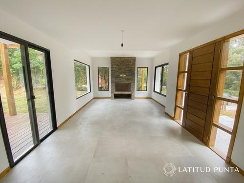 Casa En Pinares- Ref: 1425