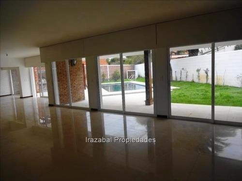 Casa En Venta Con Renta En Carrasco Sur, Irazabal