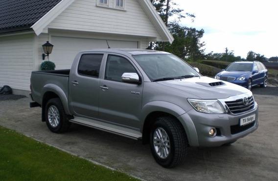 Toyota Hilux 3.0 4x4 2010 D-aut-d-cab-sr